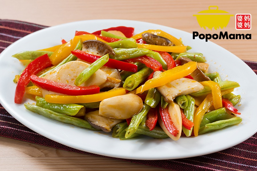 Vegetables (Fibre) – Stir Fried French Beans with Enryngii Mushrooms & Capsicums 三色杏鲍菇炒四季豆